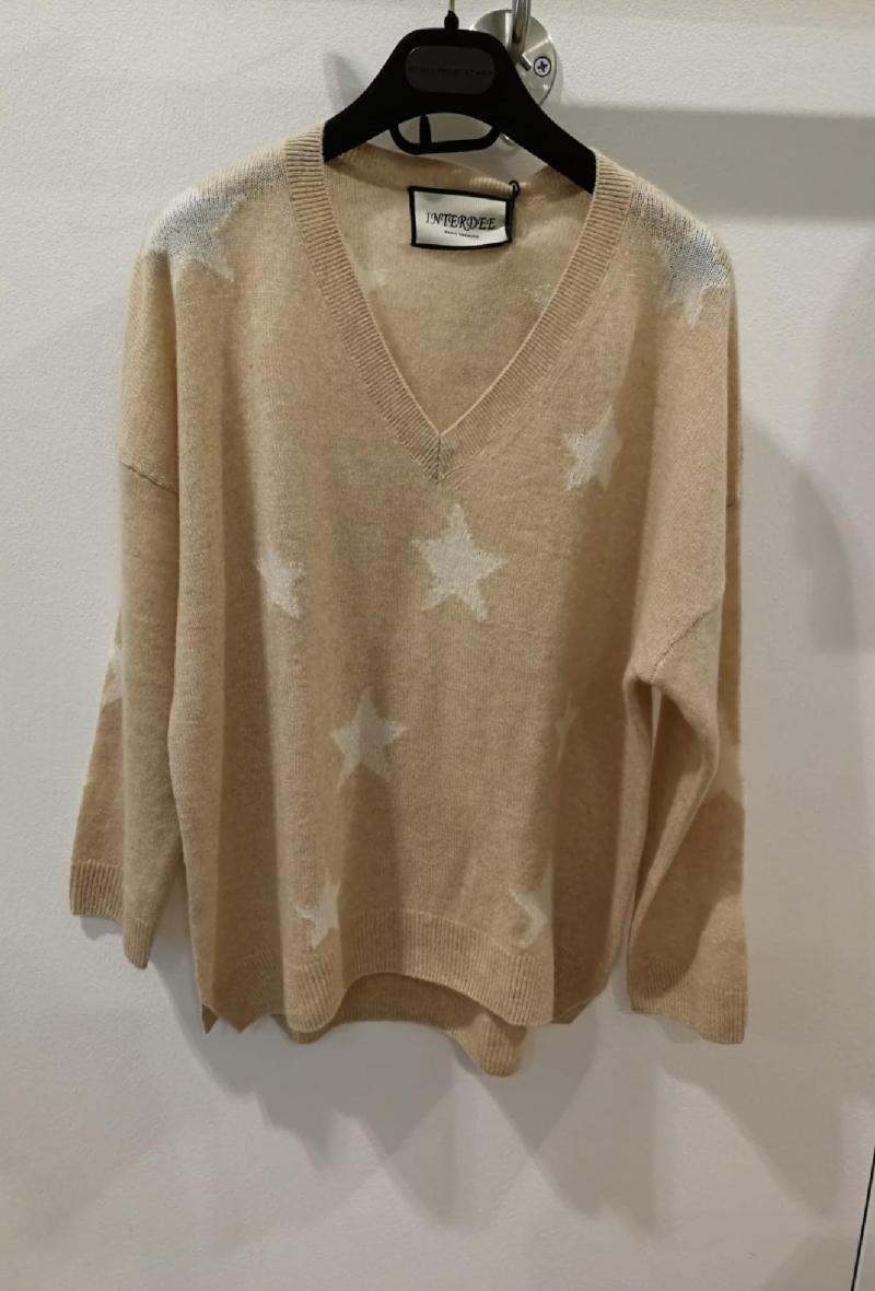 scollo v con stelle bianche Beige<br />(<strong>Interdee</strong>)