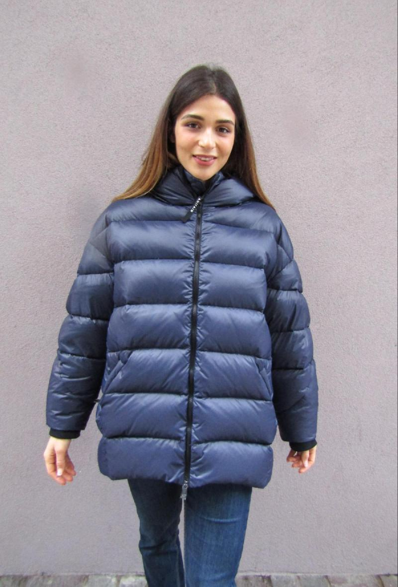 caban blu ad uovo oversize <br />(<strong>Ahirain</strong>)